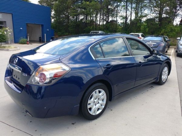 2011 Nissan Altima in Knoxville, TN