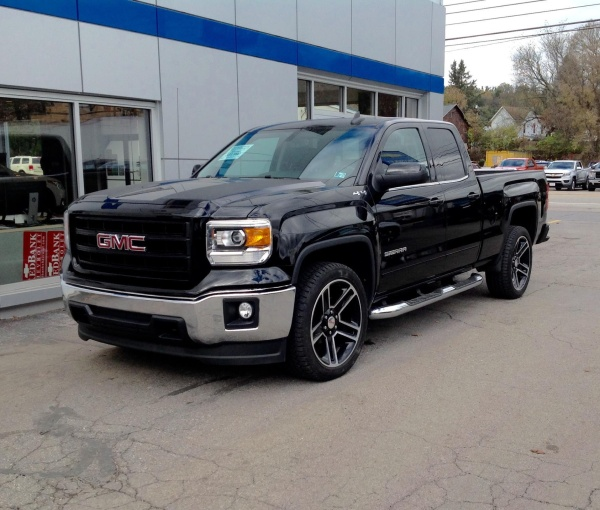 2015 GMC Sierra 1500 SLE Double Cab Standard Box 4WD For