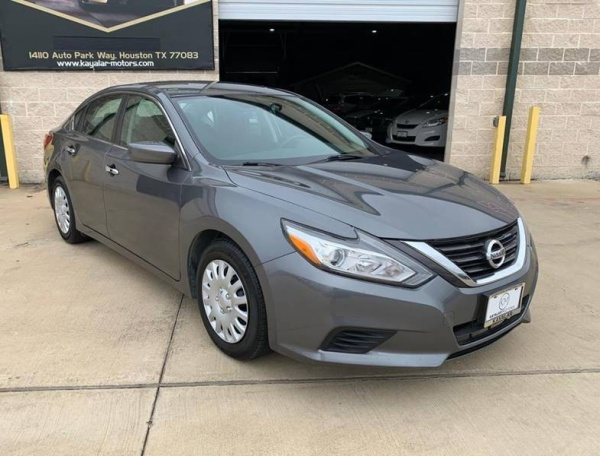 2016 Nissan Altima in Houston, TX