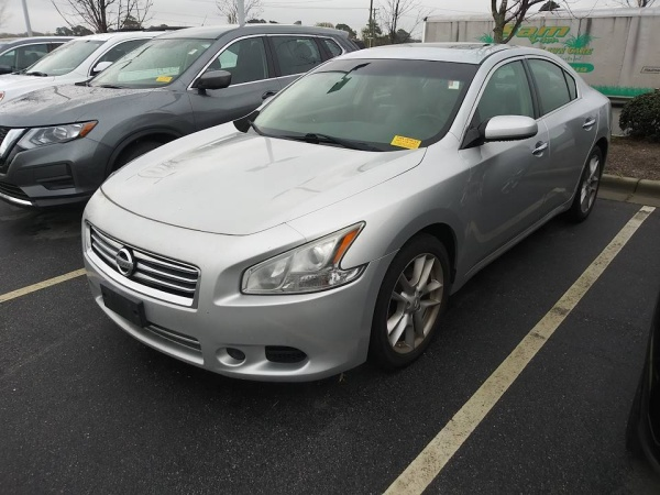 2014 Nissan Maxima in Fayetteville, NC