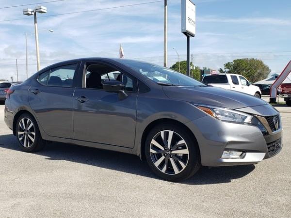 2020 Nissan Versa in Sebring, FL