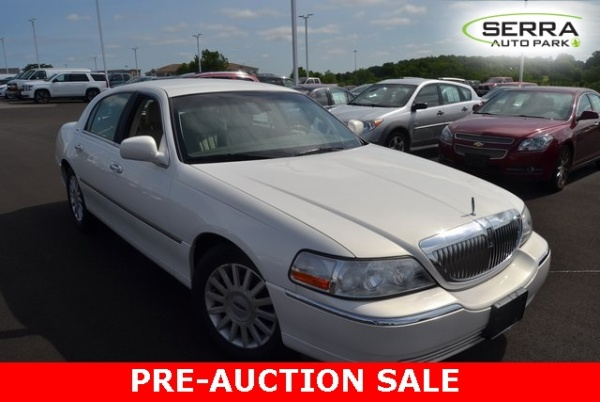 used lincoln town car for sale in akron oh u s news world report. Black Bedroom Furniture Sets. Home Design Ideas