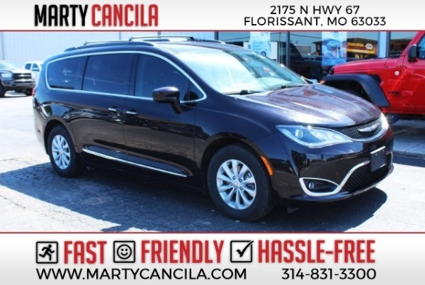 2017 Chrysler Pacifica in Florissant, MO