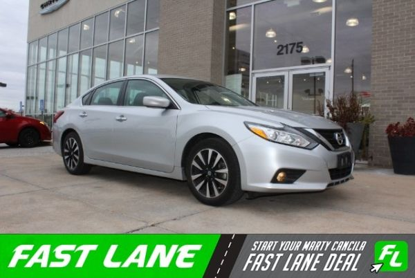 2018 Nissan Altima in Florissant, MO