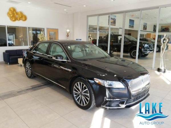 2017 Lincoln Continental in Milwaukee, WI