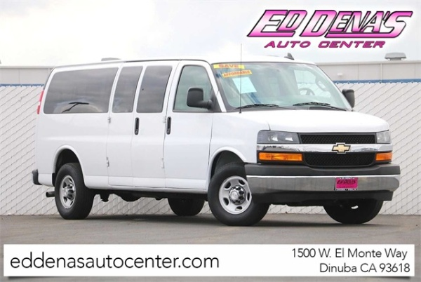 2018 Chevrolet Express Passenger in Dinuba, CA