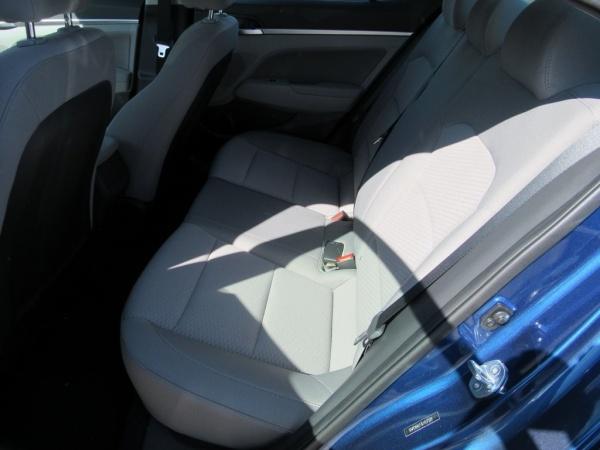 2020 Hyundai Elantra in Highland Park, IL