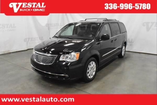 2016 Chrysler Town & Country in Kernersville, NC