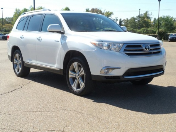 2011 Toyota Highlander in Jackson, MS