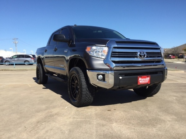 2017 Toyota Tundra in Norman, OK