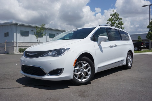 2019 Chrysler Pacifica in Cape Coral, FL