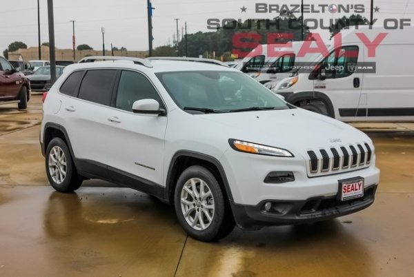 2018 Jeep Cherokee in Sealy, TX