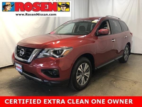 2017 Nissan Pathfinder in Milwaukee, WI