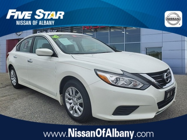 2017 Nissan Altima in Albany, GA