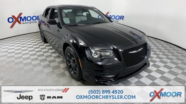 2020 Chrysler 300 in Louisville, KY