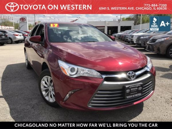 2017 Toyota Camry in Chicago, IL