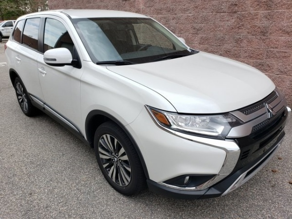2019 Mitsubishi Outlander in Hampton, VA