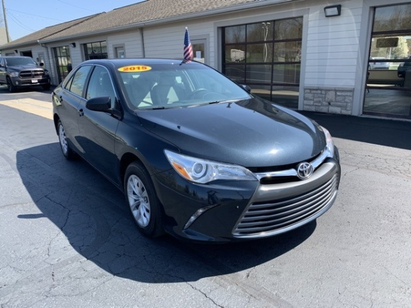 2015 Toyota Camry in Reynoldsburg, OH