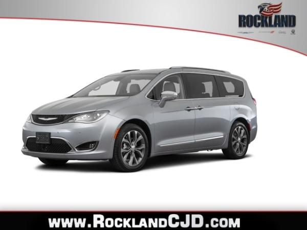 2020 Chrysler Pacifica in Nanuet, NY