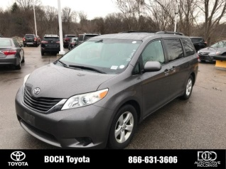 2017 Toyota Sienna Le 8 Penger Fwd For In Norwood Ma