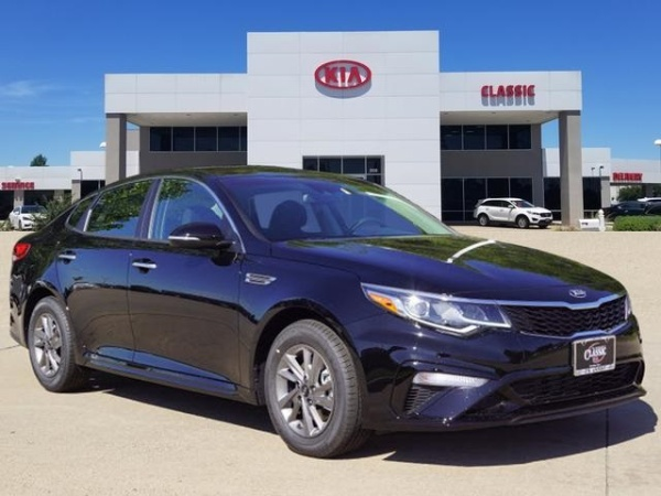 2020 Kia Optima in Carrollton, TX