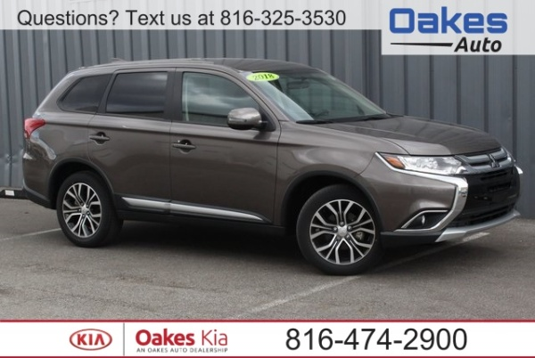 2018 Mitsubishi Outlander in North Kansas City, MO