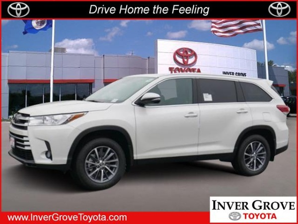 2019 Toyota Highlander in Inver Grove, MN