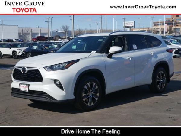2020 Toyota Highlander in Inver Grove, MN