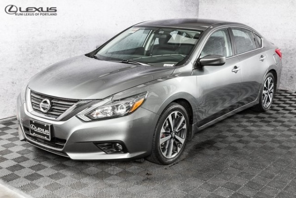 2016 Nissan Altima in Portland, OR