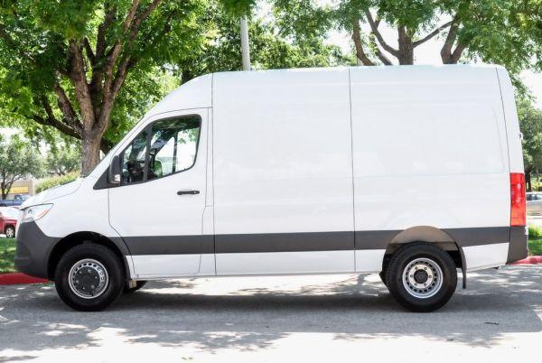 2019 Freightliner Sprinter Cargo Van in Addison, TX