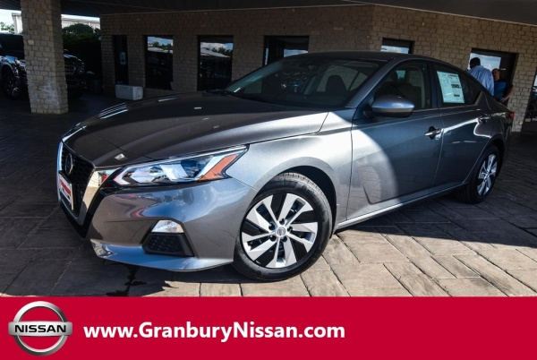 2020 Nissan Altima in Granbury, TX