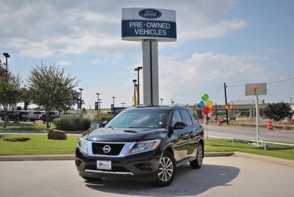 2015 Nissan Pathfinder in Boerne, TX