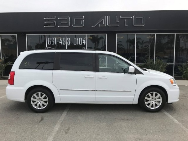 2014 Chrysler Town & Country in Bakersfield, CA
