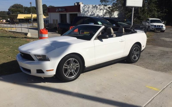 2012 Ford Mustang in Snellville, GA