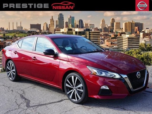 2020 Nissan Altima in Lee's Summit, MO