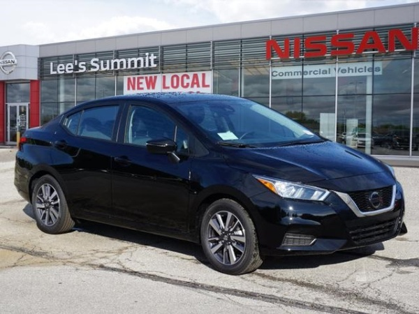 2020 Nissan Versa in Lee's Summit, MO
