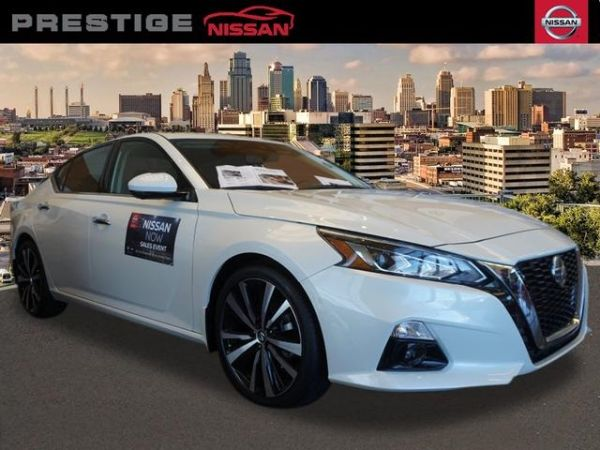 2020 Nissan Altima in Kansas City, MO