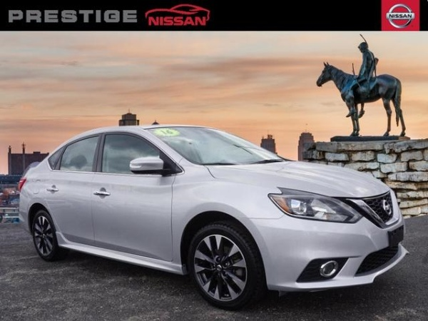 2016 Nissan Sentra in Kansas City, MO