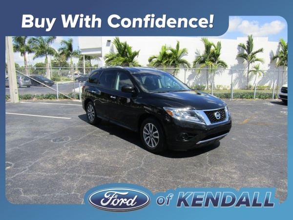 2016 Nissan Pathfinder in Miami, FL