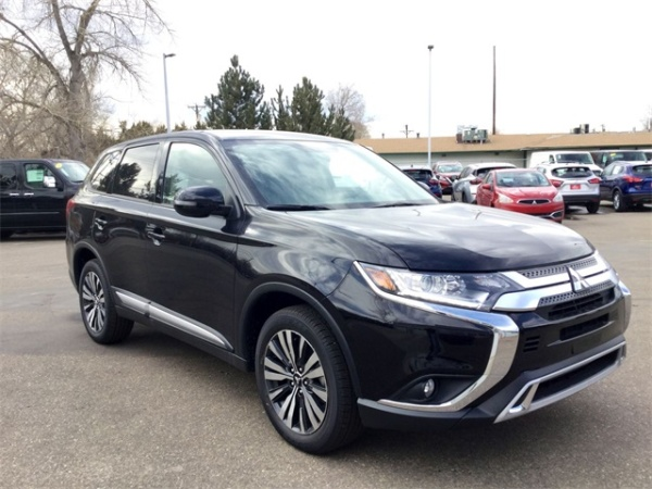 2019 Mitsubishi Outlander in Longmont, CO
