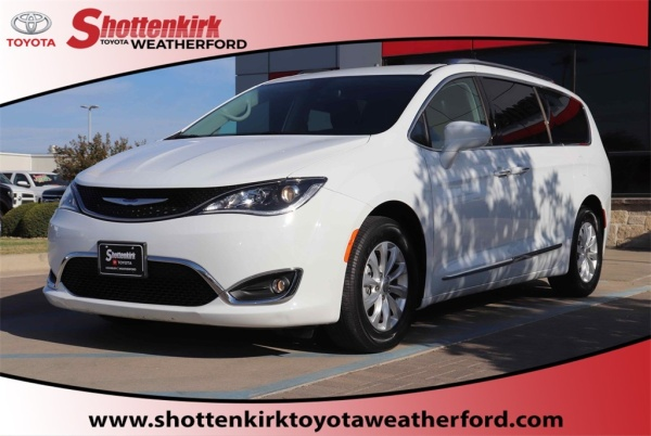 2019 Chrysler Pacifica in Weatherford, TX