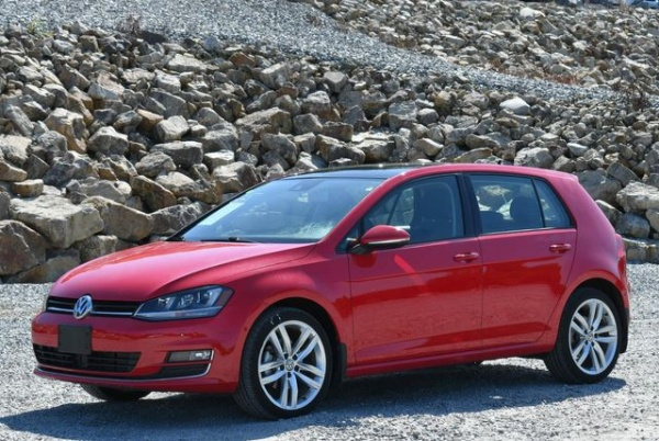 2016 Volkswagen Golf in Naugatuck, CT