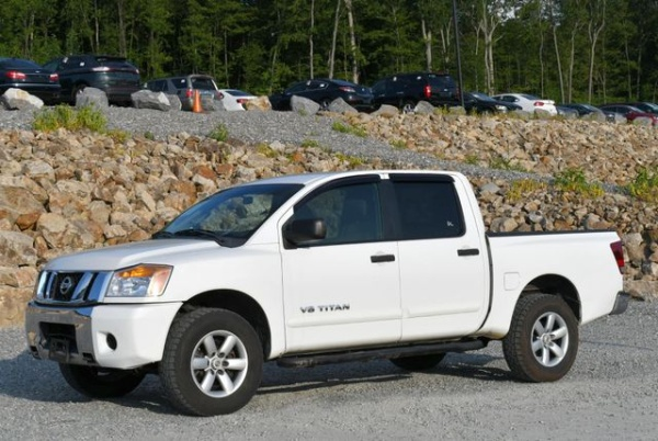 2012 Nissan Titan in Naugatuck, CT