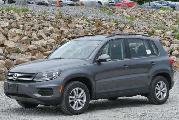 2017 Volkswagen Tiguan in Naugatuck, CT