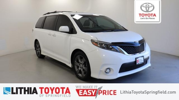2015 Toyota Sienna in Springfield, OR
