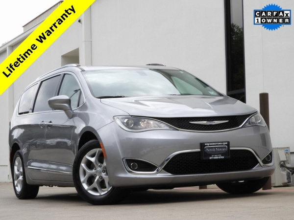 2017 Chrysler Pacifica in Bedford, TX