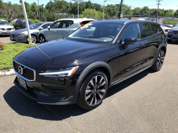 2020 Volvo V60 Cross Country in Westport, CT