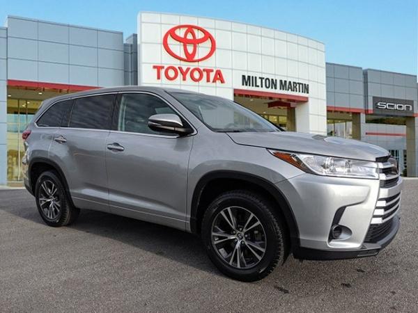 2018 Toyota Highlander in Gainesville, GA