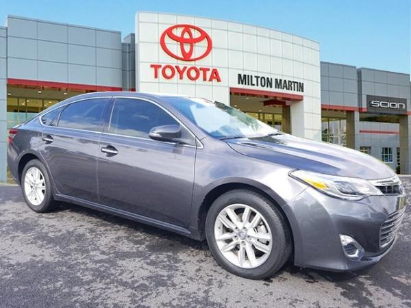 2015 Toyota Avalon in Gainesville, GA