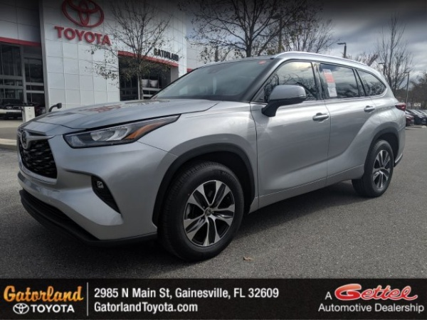 2020 Toyota Highlander in Gainesville, FL